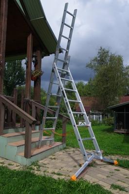 Лестница трехсекционная универсальная Эйфель Ювелир Плюс 3х12